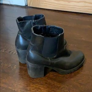 Shi by Journeys Chunky Heeled Boots